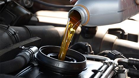 Cambiar el aceite del coche en 8 pasos por Grúas Pampero Málaga.